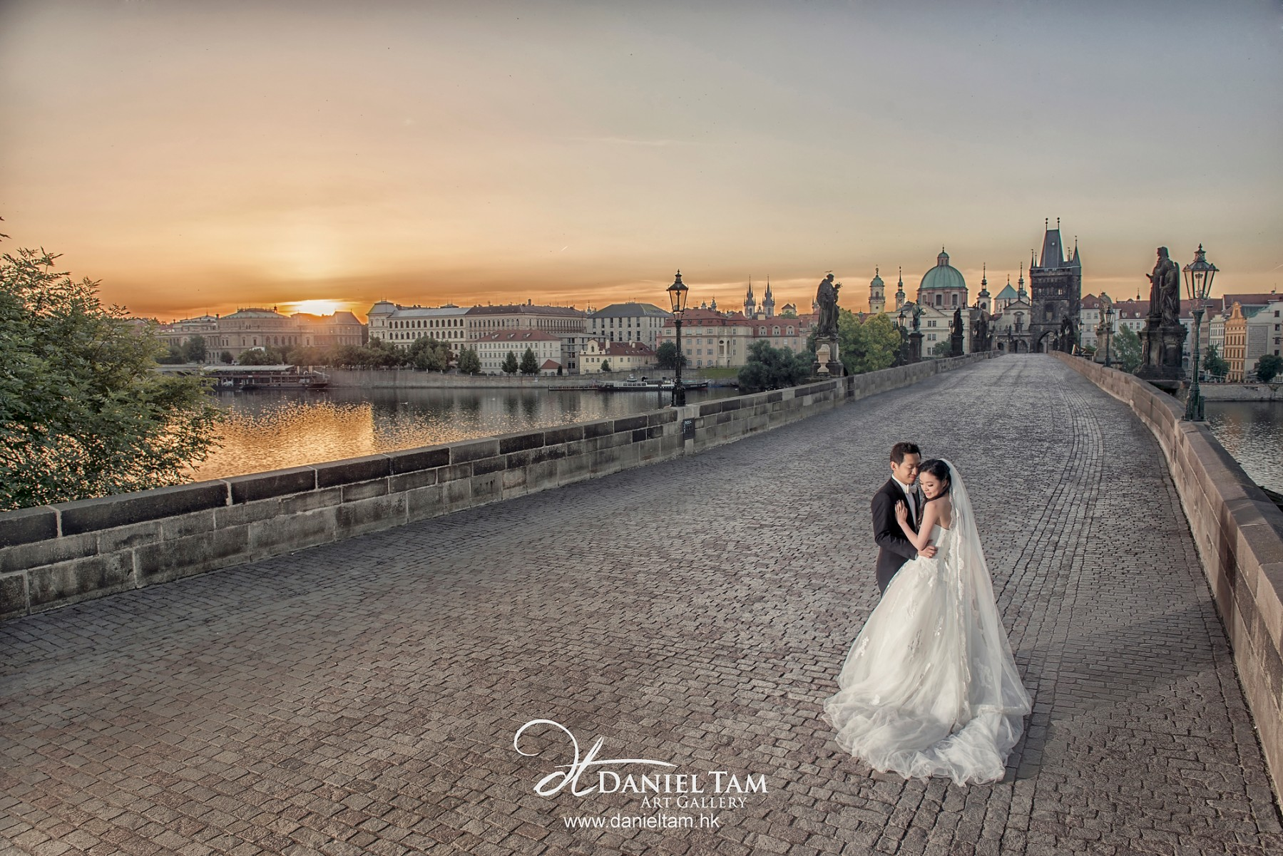 Charles Bridge, prague prewedding