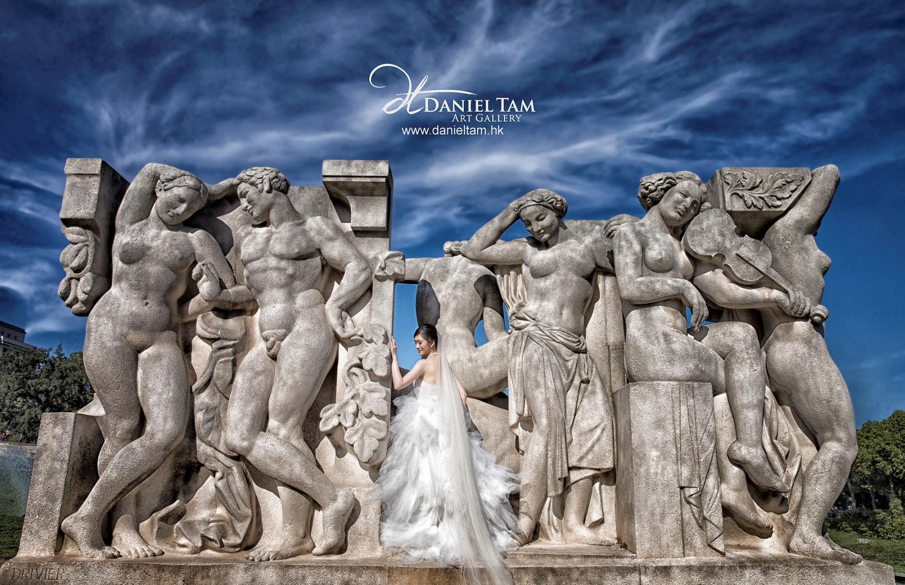 Paris Prewedding, Beautiful Sculpture