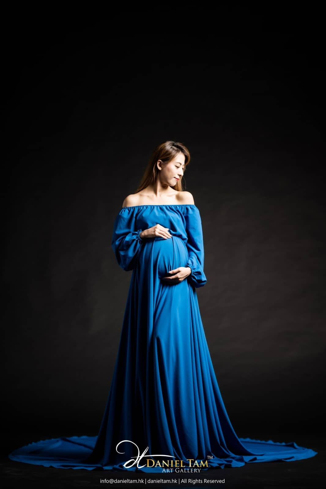 pregnancy gown in blue